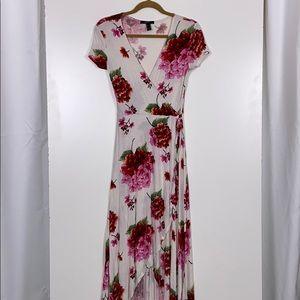 Forever 21 l Floral Wrap Tie Dress Size Medium